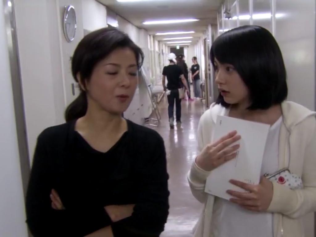 能年玲奈さんと薬師丸ひろ子さん
