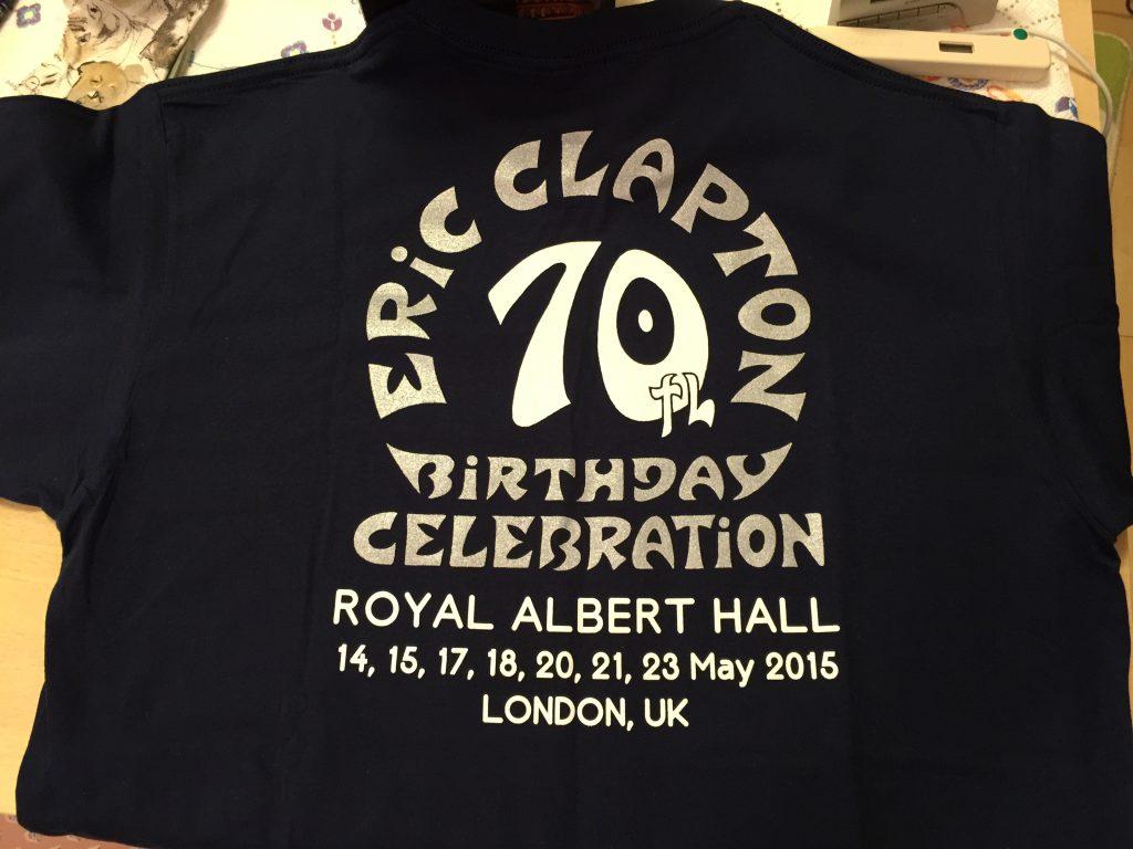 スローハンド・アット・70 – エリック・クラプトン・ライヴ・アット・ザ・ロイヤル・アルバート・ホールTシャツ裏
