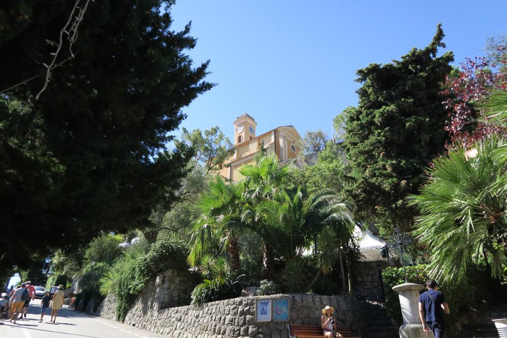 エズ村の入り口