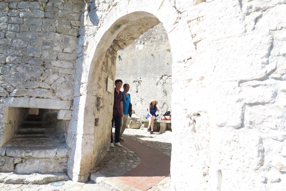 エズ村の外壁