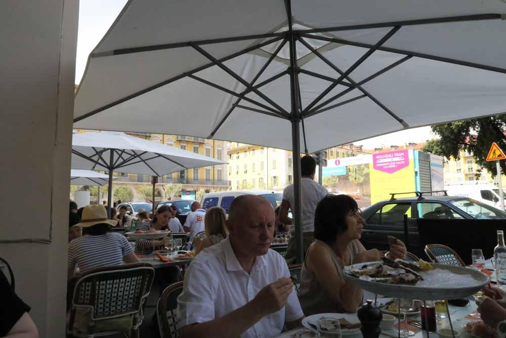 Le Café de Turin内部01