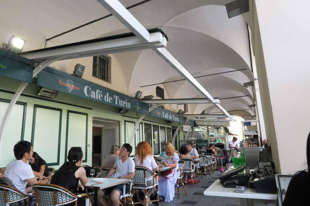 Le Café de Turin内部02