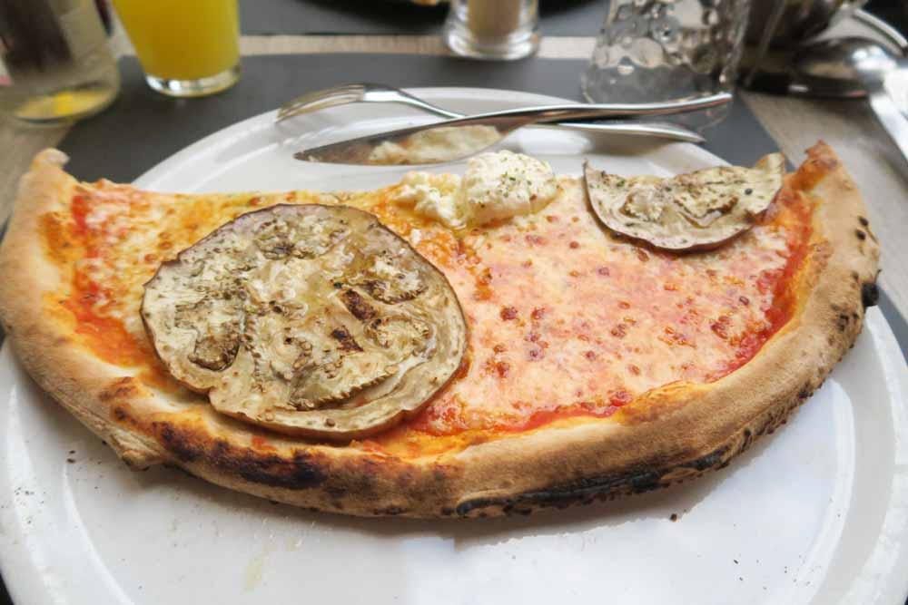 La Vogliaピザ