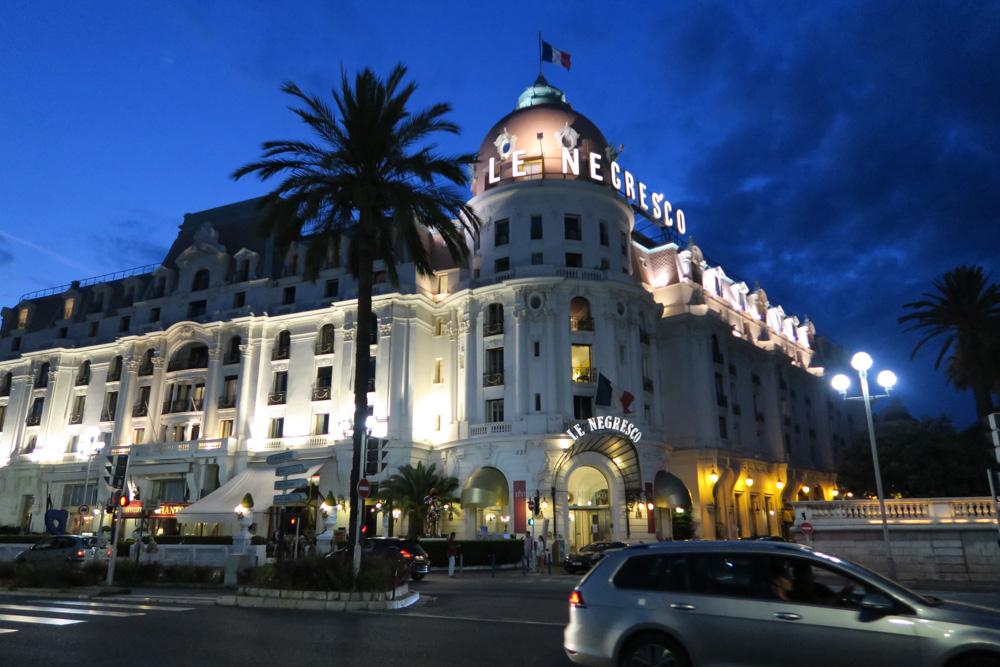 夜のネグレスコ・ホテル01