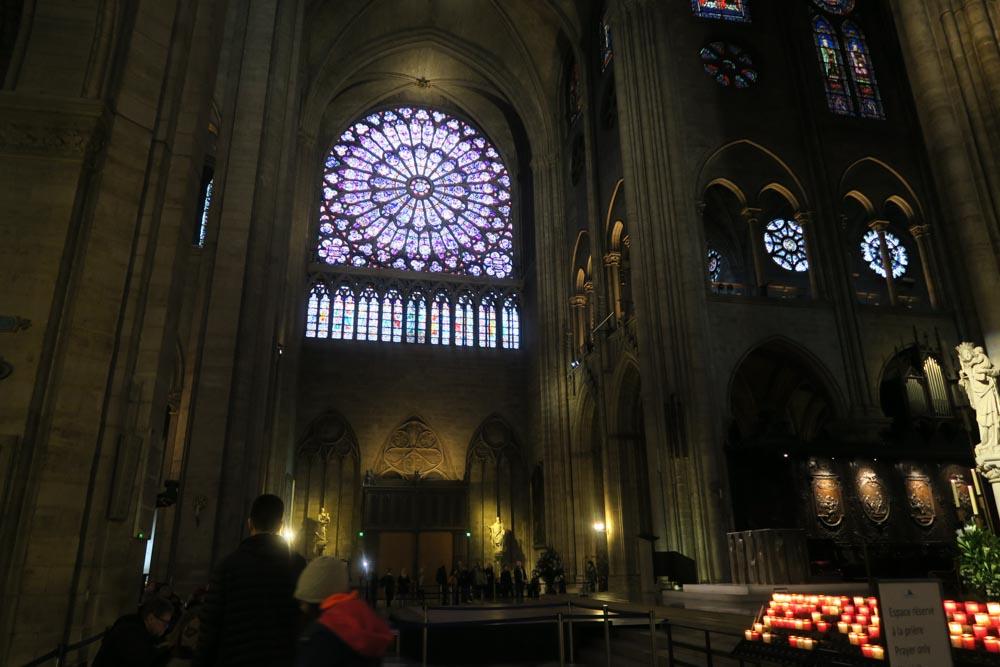 ノートルダム寺院のバラ窓