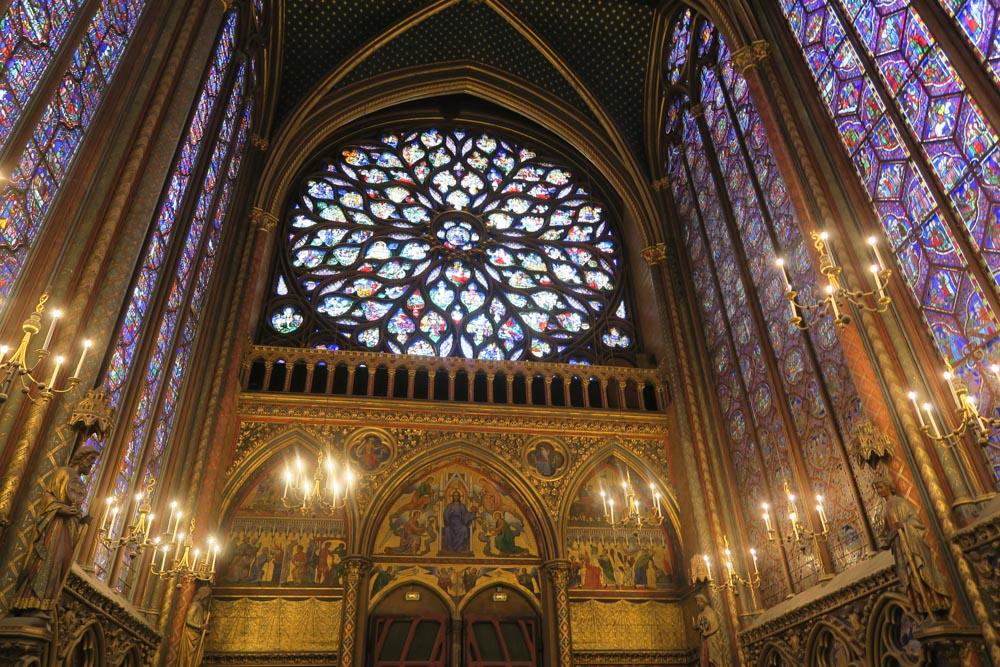 サント・シャペルのステンドグラスバラ窓
