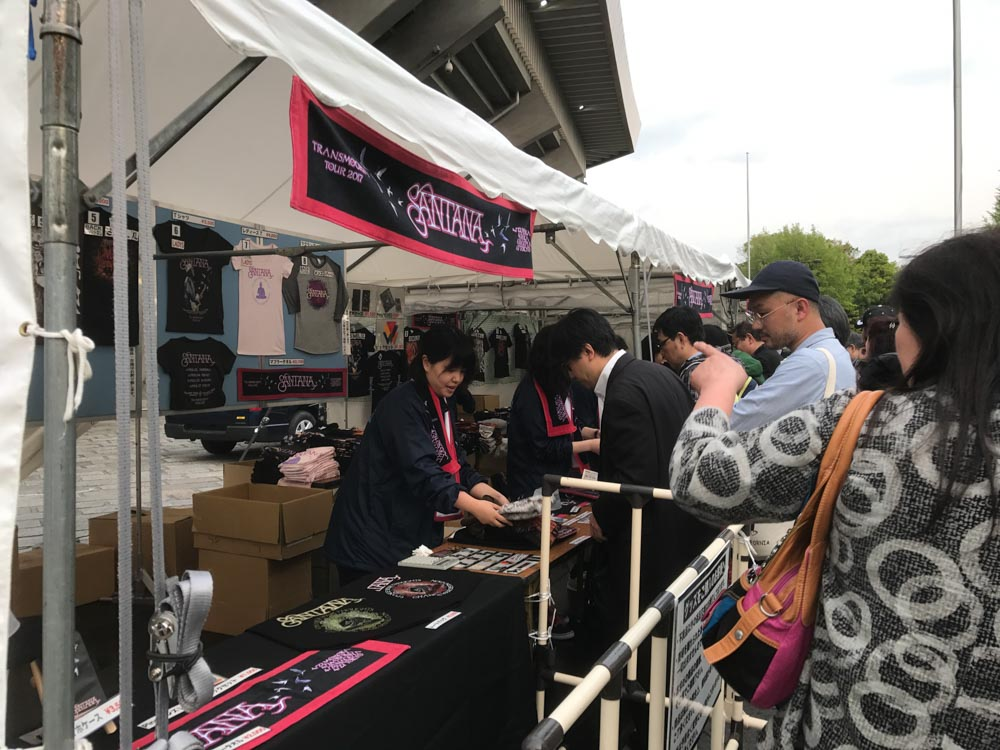 Santana_live_in_japan_2017_04_27-2