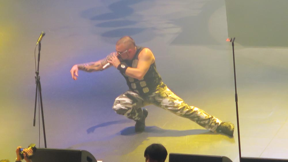 サバトン・ライブ・イン・トーキョー03