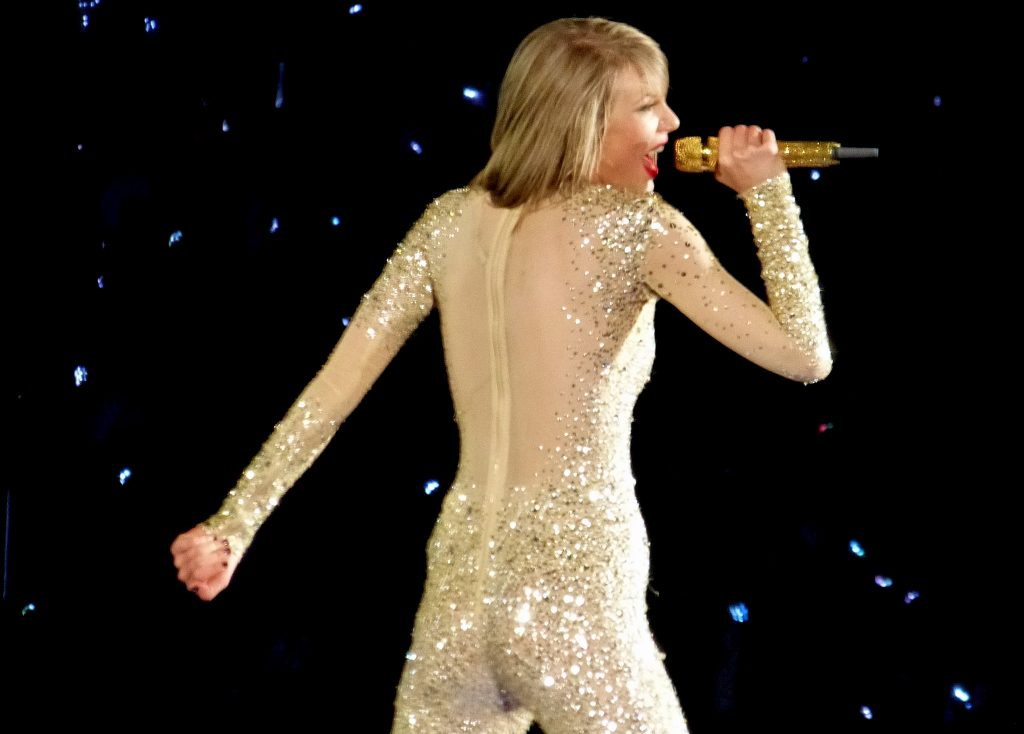 Taylor Swift reputation_stadium_tour05