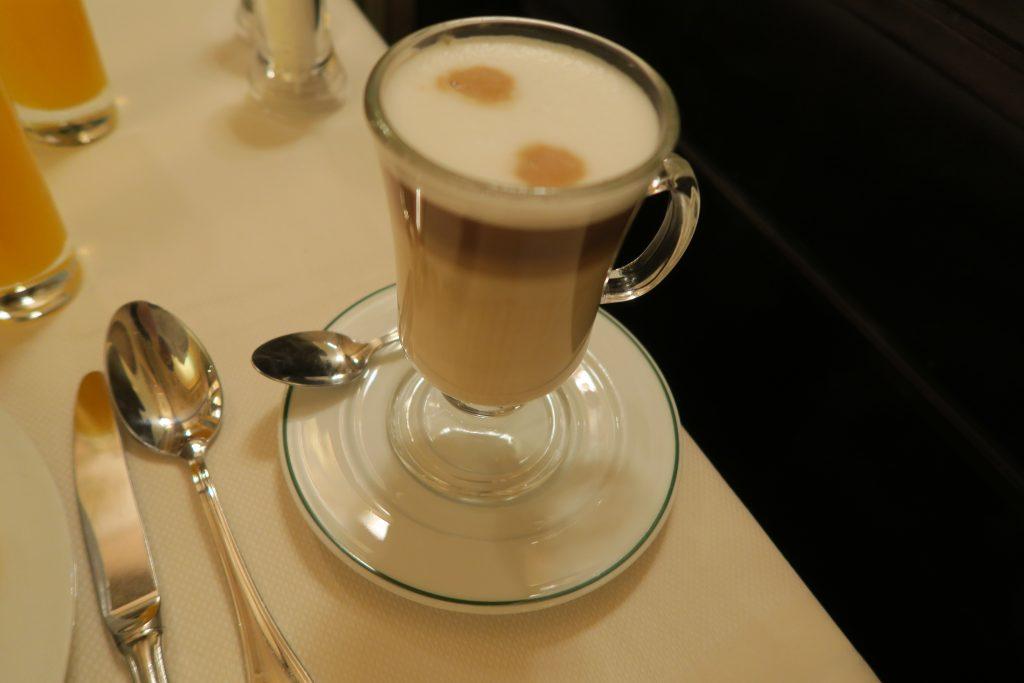 カフェ・ド・ラペの朝食03