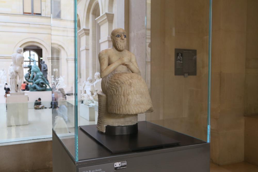 ヌ・バンダ、エビフ・イルの彫像03