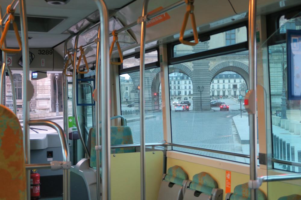 パリ路線バス 68番 車内02