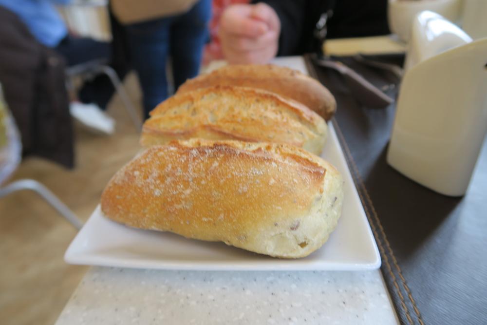 ミュゼ・ドゥ・オルセー・レストラン ランチ パン