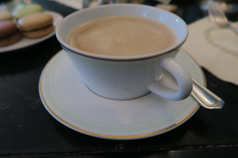 ラデュレ ロワイヤル店 カフェオレ