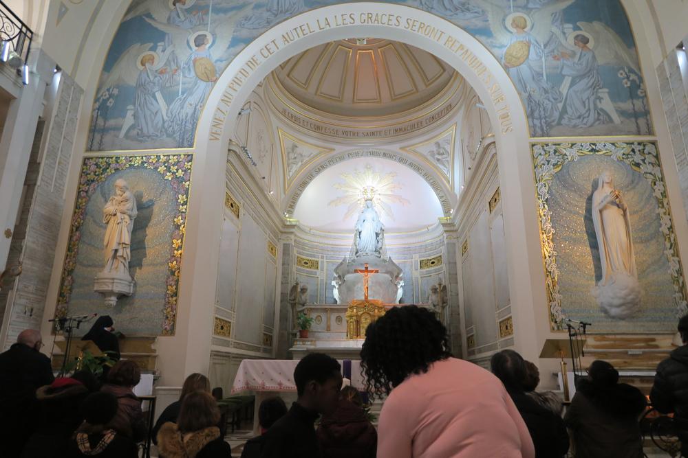 奇跡のメダイユ教会 内部