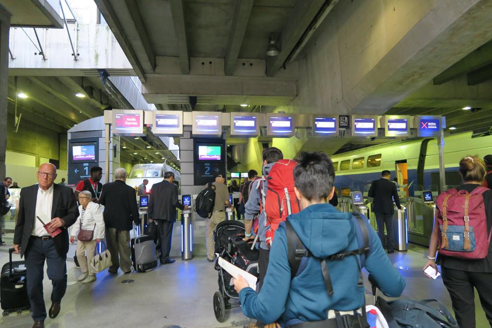モンパルナス TGV 改札口