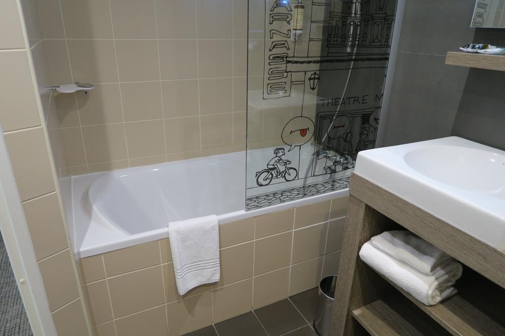 メルキュール パリ ガル モンパルナス(Mercure Paris Gare Montparnasse)お風呂