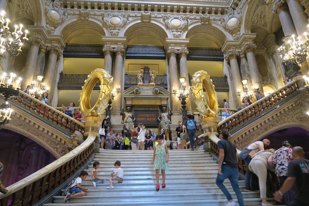 オペラ座ガルニエ宮 大階段
