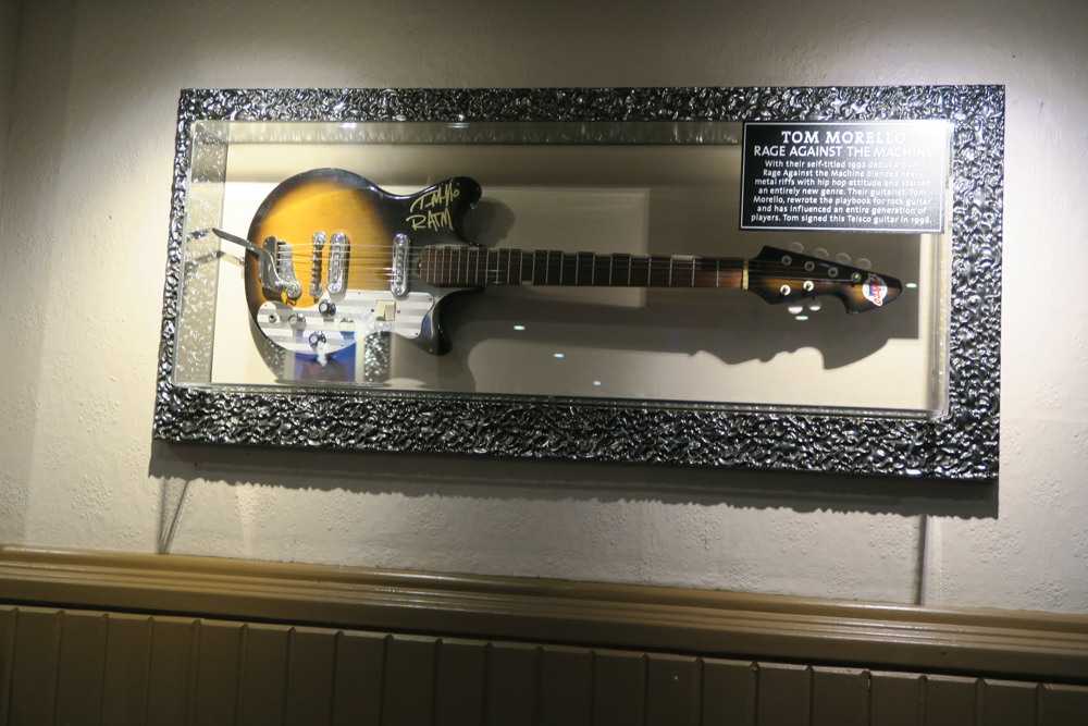 Hard Rock Cafe Paris06
