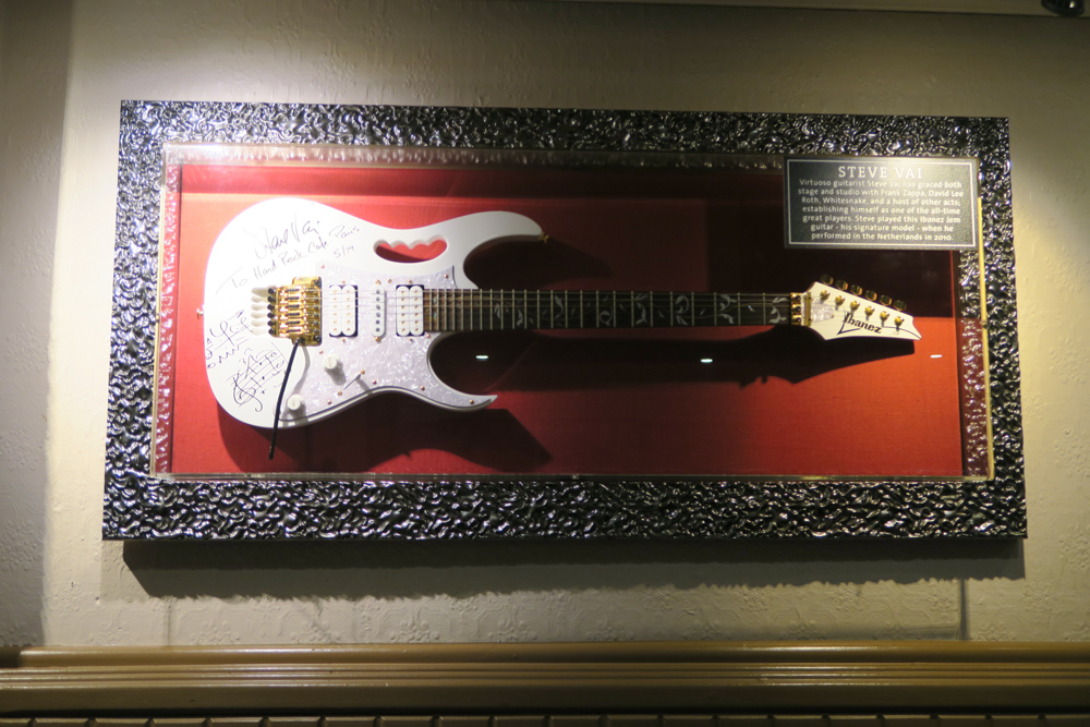 Hard Rock Cafe Paris08