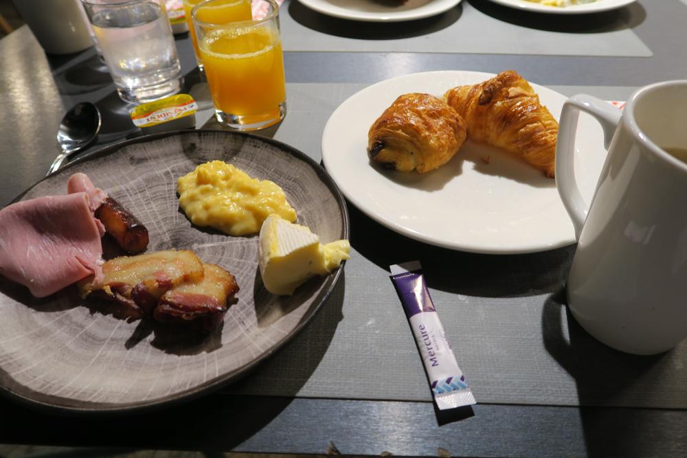 Hotel Mercure Paris Gare Montparnasse 朝食01