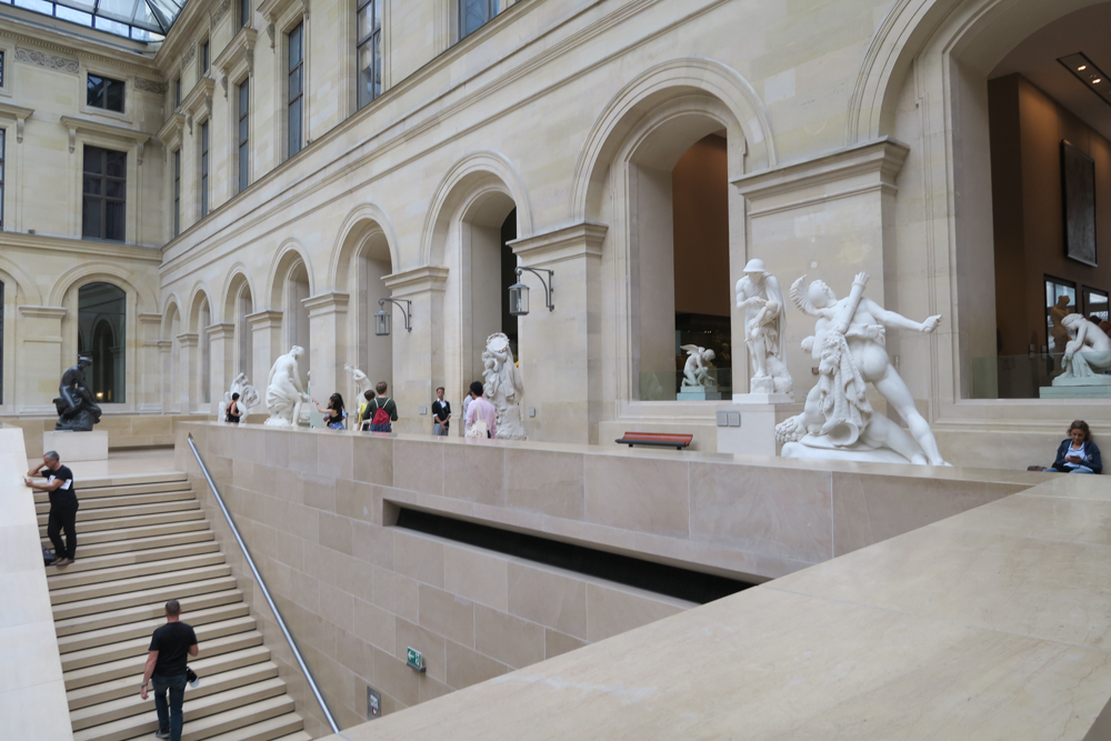 ルーブル美術館 ピュジェの中庭03