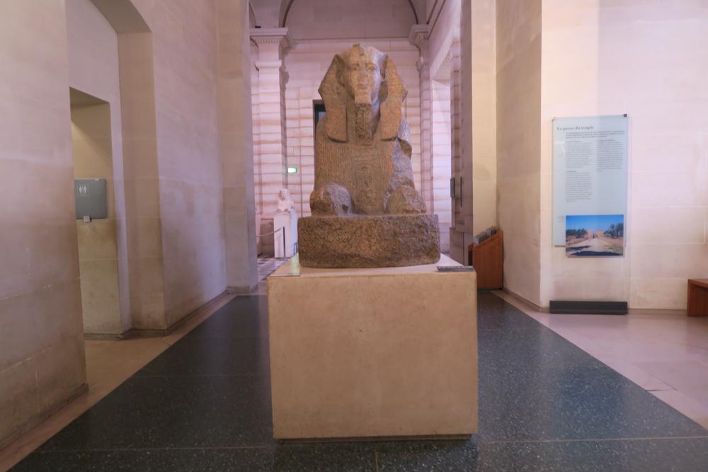 ルーブル美術館 スフィンクス像