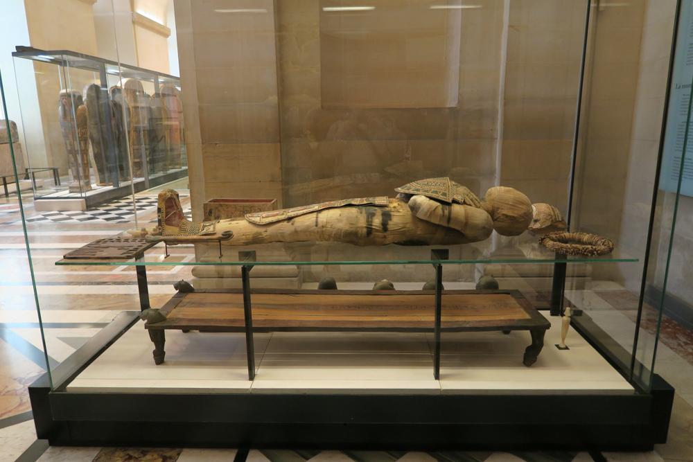 ルーブル美術館 男性のミイラ