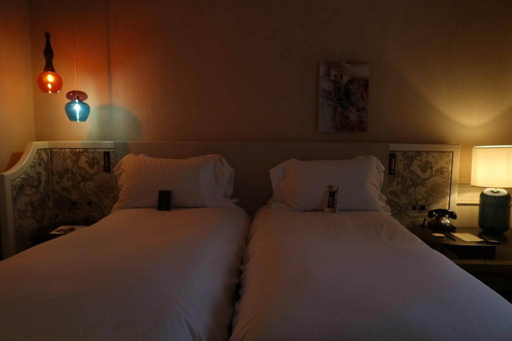 ホテル スクリーブ パリ オペラ ベッド