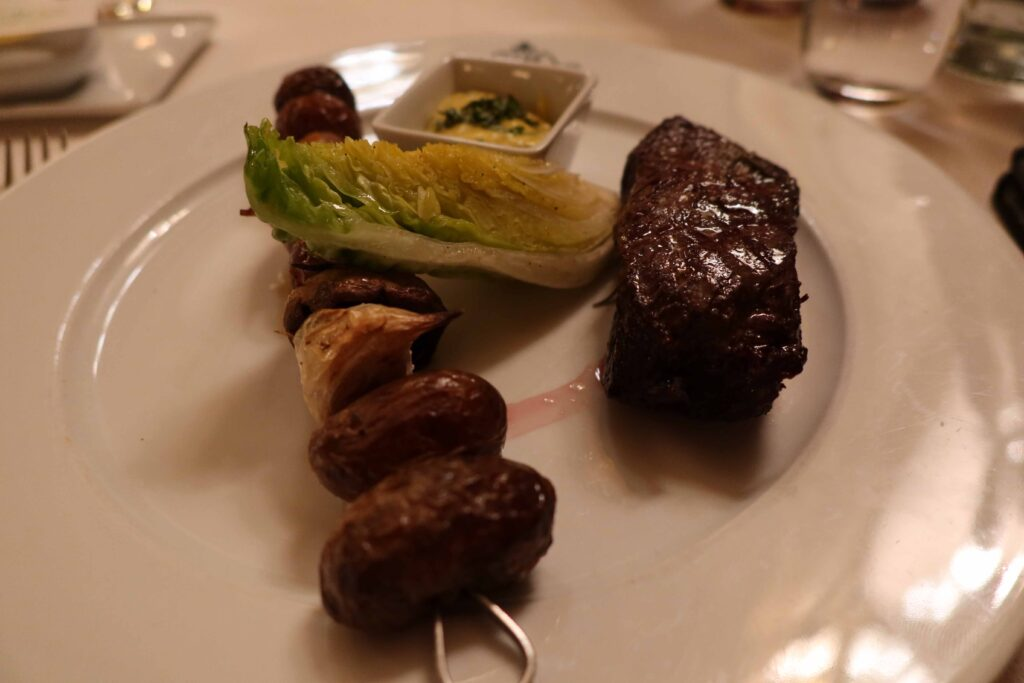 カフェドラベ メイン 肉