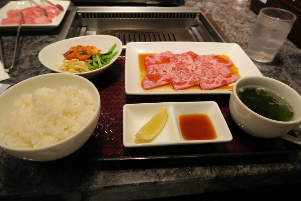 焼肉チャンピオン羽田 お肉2