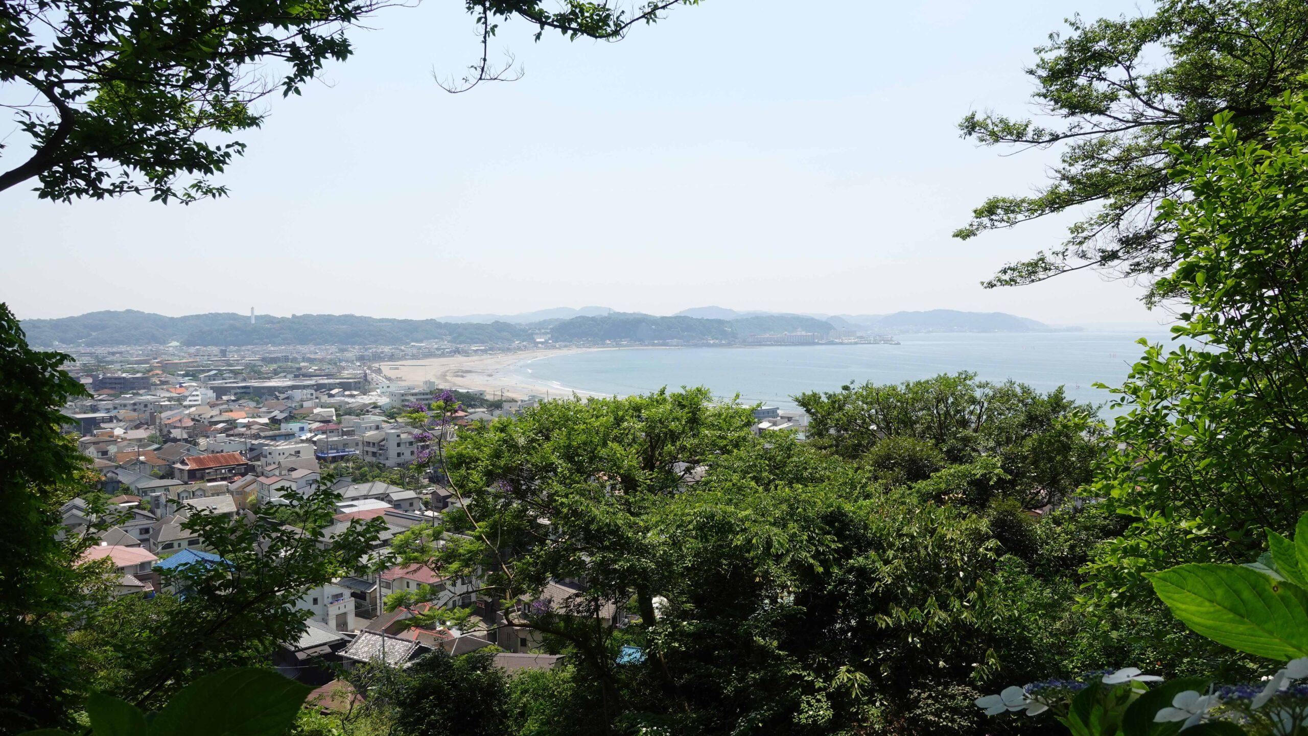 長谷寺から見た由比ヶ浜